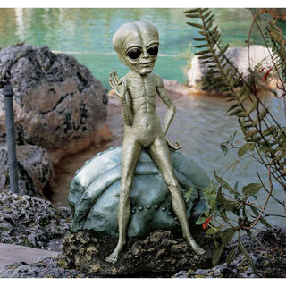 Roswell the Alien Statue